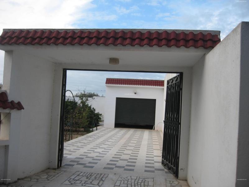 إعلان على أفاريات تونس ل: كراء طابق سفاي لفيلا