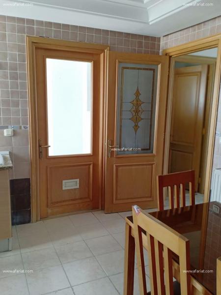 إعلان على أفاريات تونس ل: شقة فخمة بالنصر