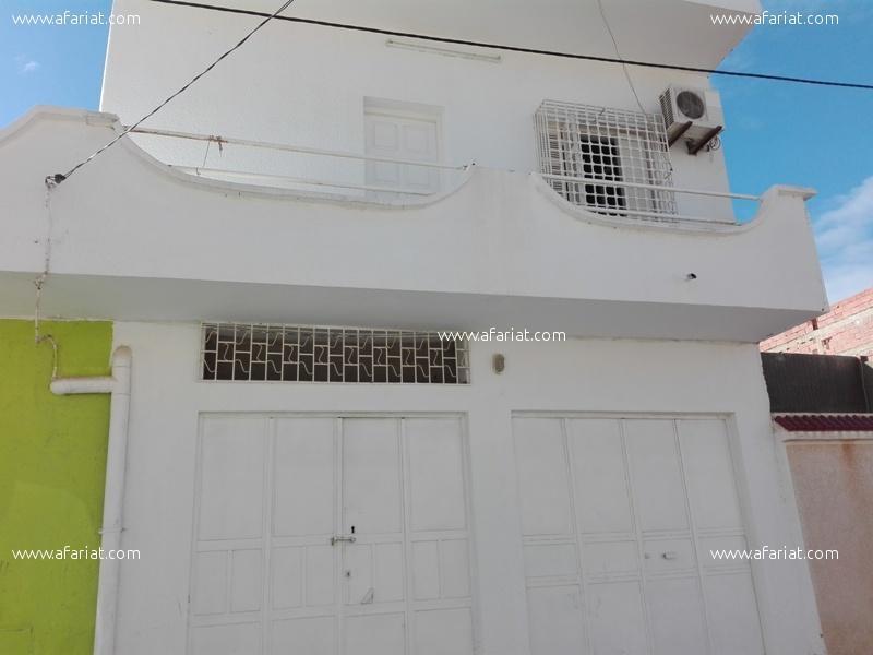 إعلان على أفاريات تونس ل: فيلا 300م2 بالقيروان للبيع