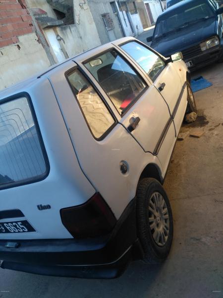 إعلان على أفاريات تونس ل: للبيع سيارة